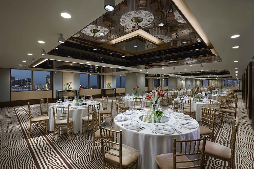 charter room in wedding setting at mandarin oriental, hong kong