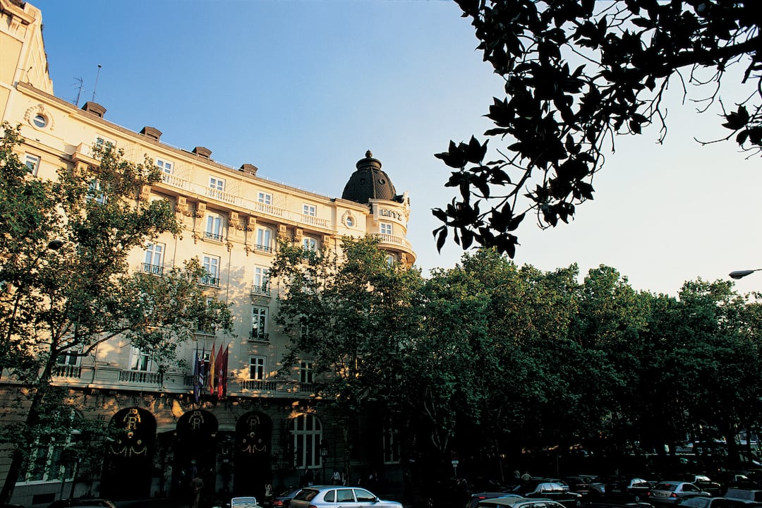 Hotel At A Glance Mandarin Oriental Hotel Madrid