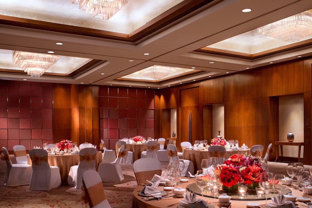chinese wedding in ballroom at mandarin oriental, jakarta