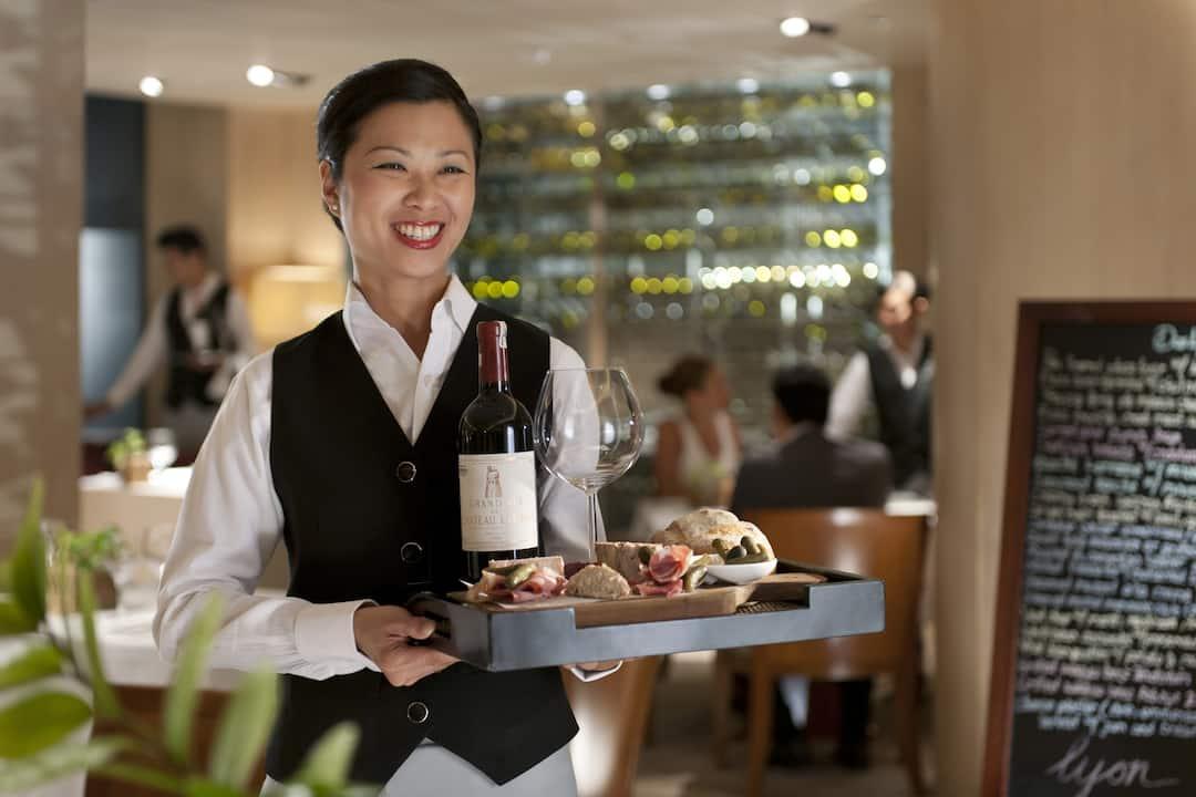 service in lyon at mandarin oriental, jakarta