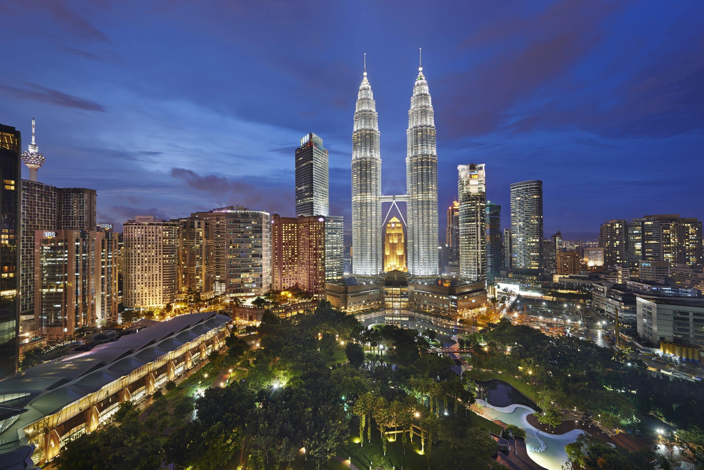 Luxury 5 Star Hotel  Petrona Towers  Mandarin Oriental