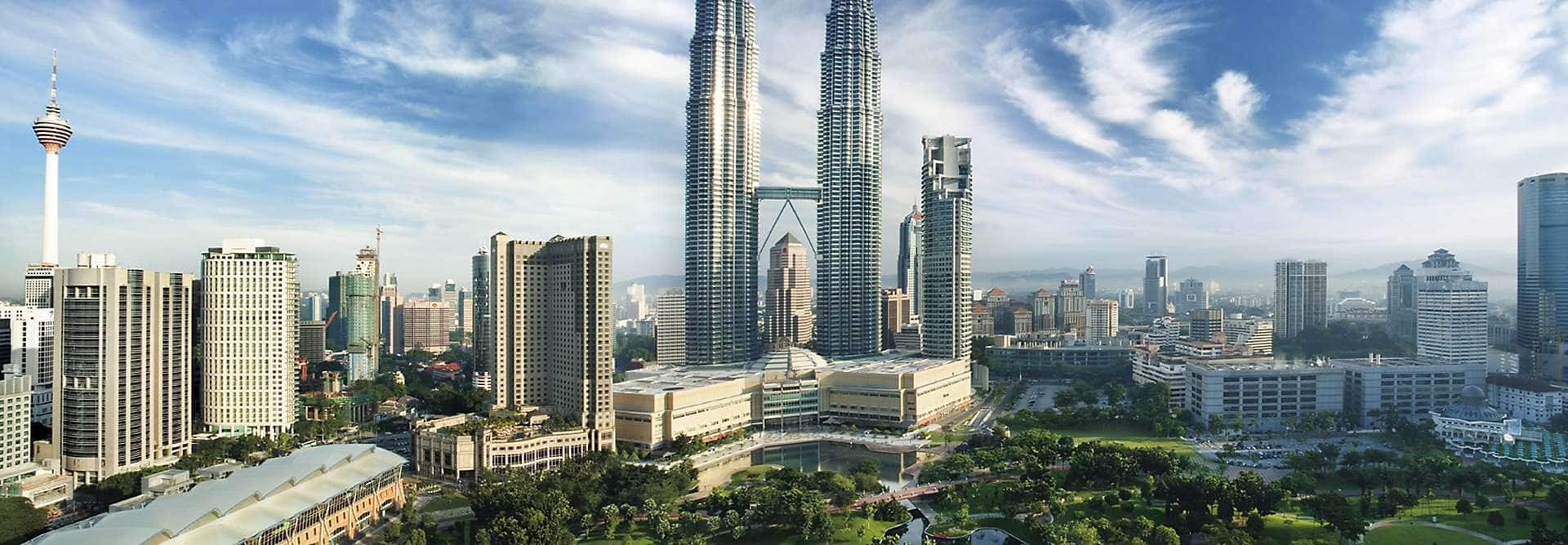 Mandarin Oriental, Kuala Lumpur offers impressive views, fabulous facilities and outstanding comfort in the heart of Malaysia's vibrant capital.