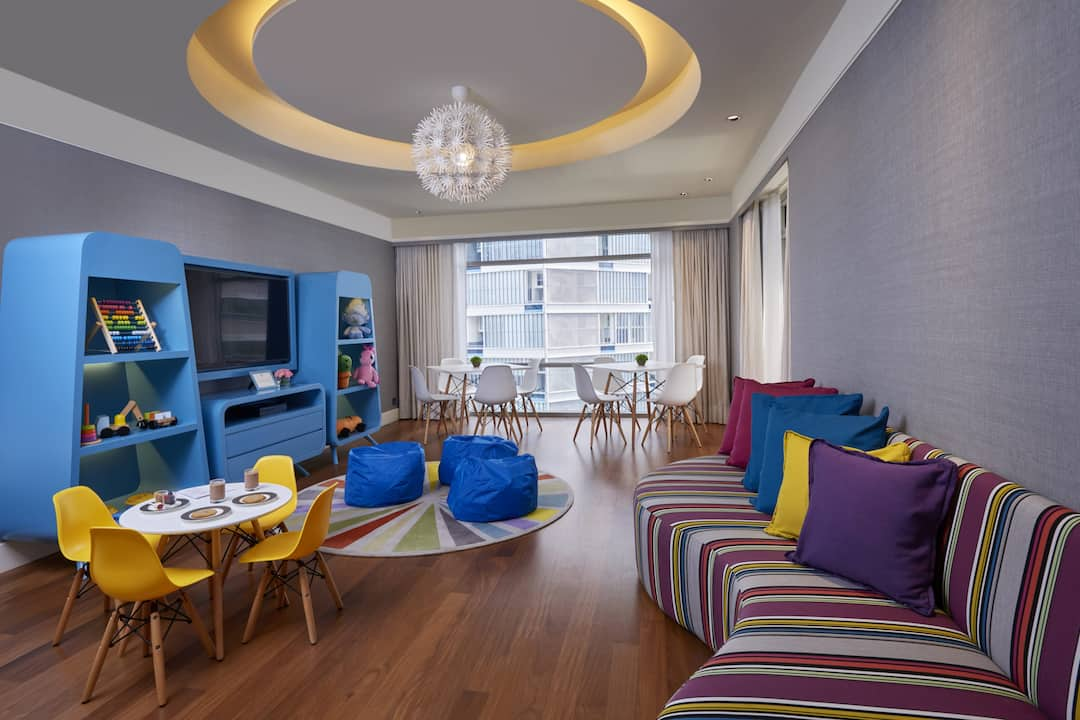 family club lounge at mandarin oriental, kuala lumpur
