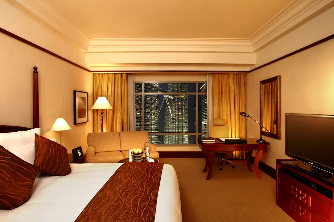 Traders Club Double Room With Twin Towers View