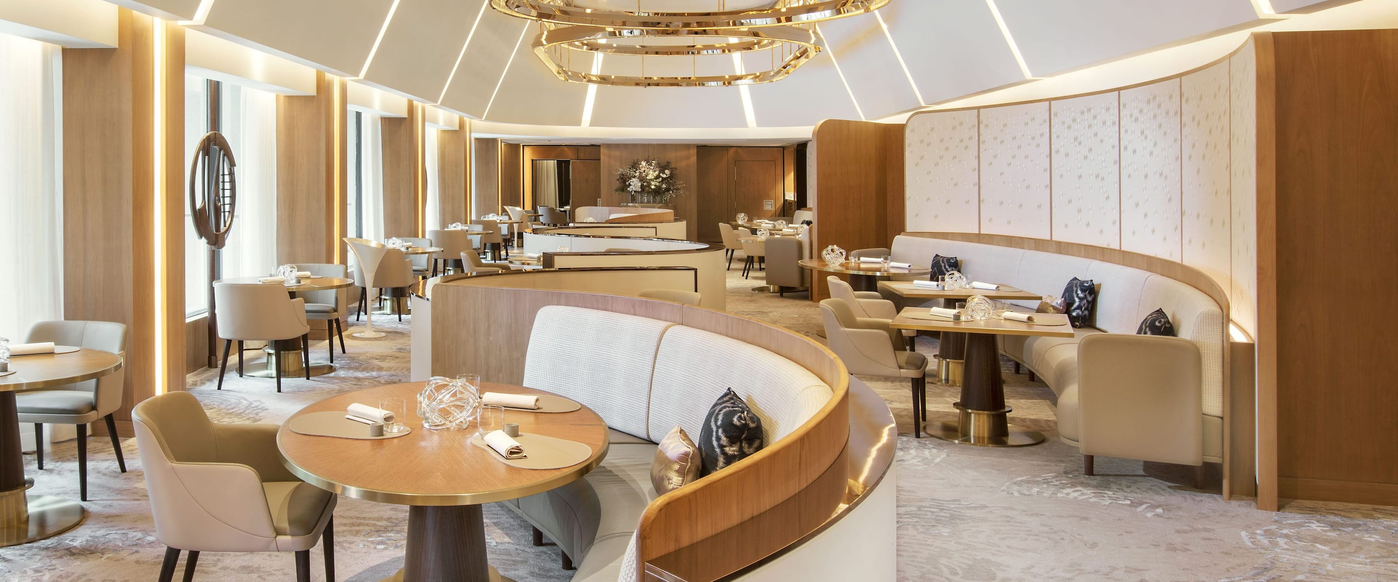 Best Restaurants Bars Lounges The Landmark Mandarin