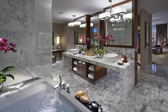 Dynasty Suite Bathroom