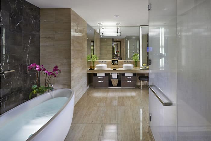 Luxury 5 star junior hotel suite mandarin oriental las for Las vegas bathroom remodeling companies