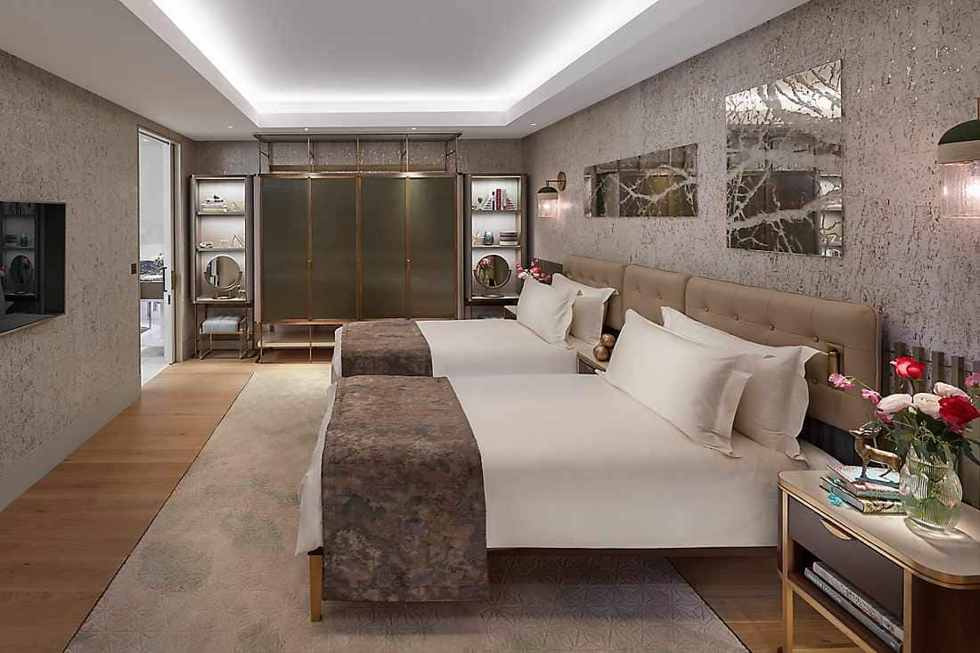 Mandarin Penthouse bedroom