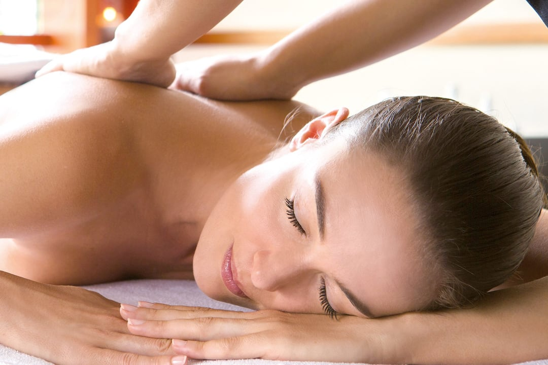 massage on lady