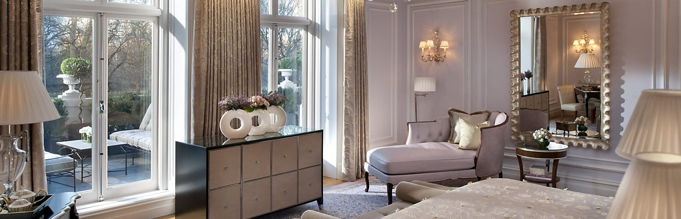 Mandarin Oriental Hyde Park's luxurious hotel accommodations combine English elegance and sumptuous style.