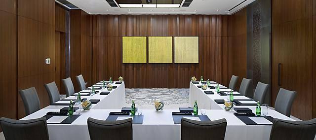 meeting room in u shape setting at mandarin oriental, macau