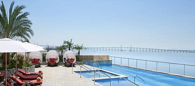 swimming pool at mandarin oriental, macau