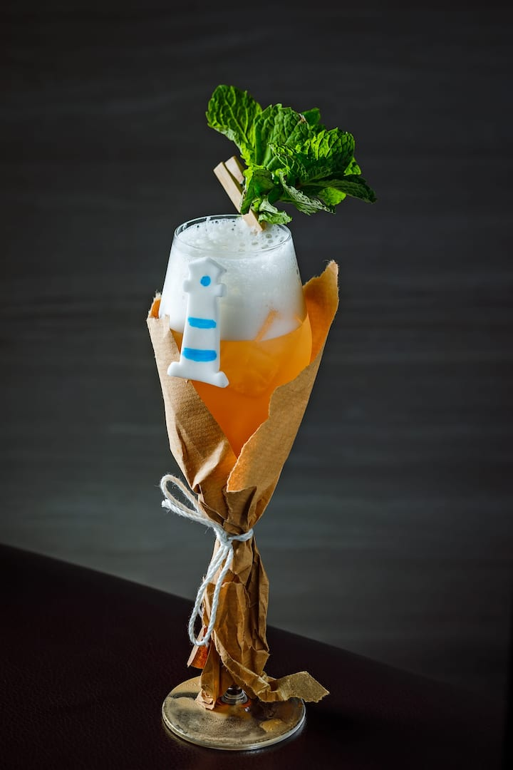 lighthouse cocktail from vida rica bar at mandarin oriental, macau