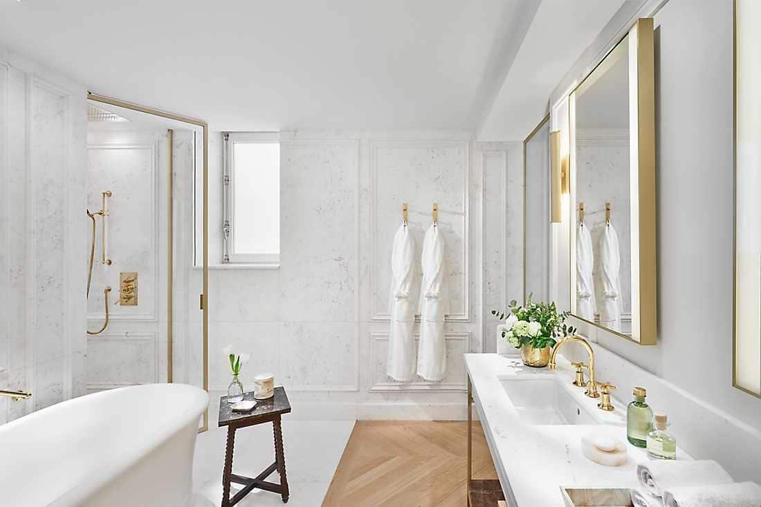 Baño de la suite Turret