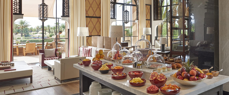 La salon berbere champagner bar mandarin oriental hotel marrakech for Salon berbere moderne