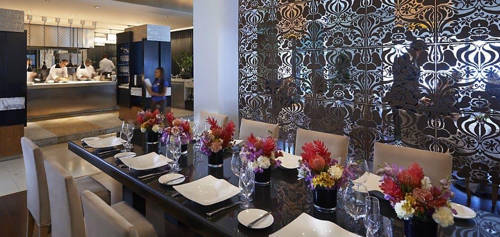 Azul restaurant fusion cuisine mandarin oriental miami - Hotel mandarin restaurante ...