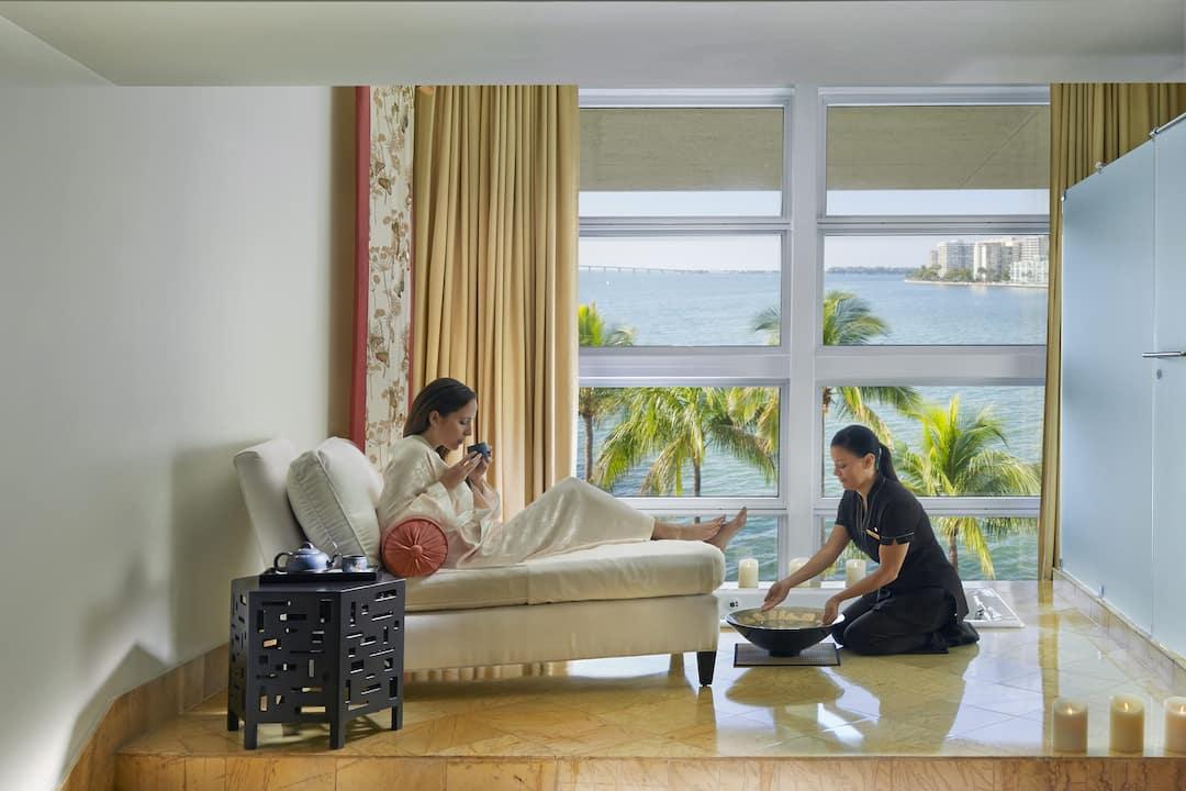 spa room mandarin suite