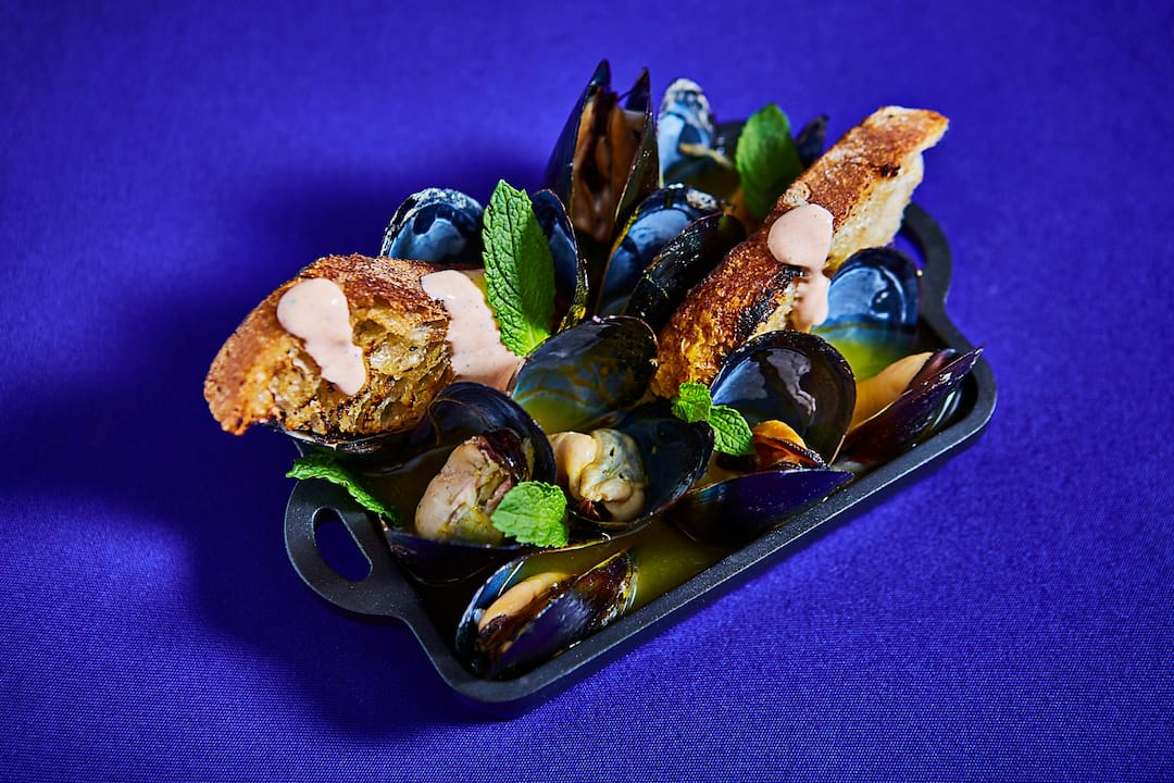 clams on plate