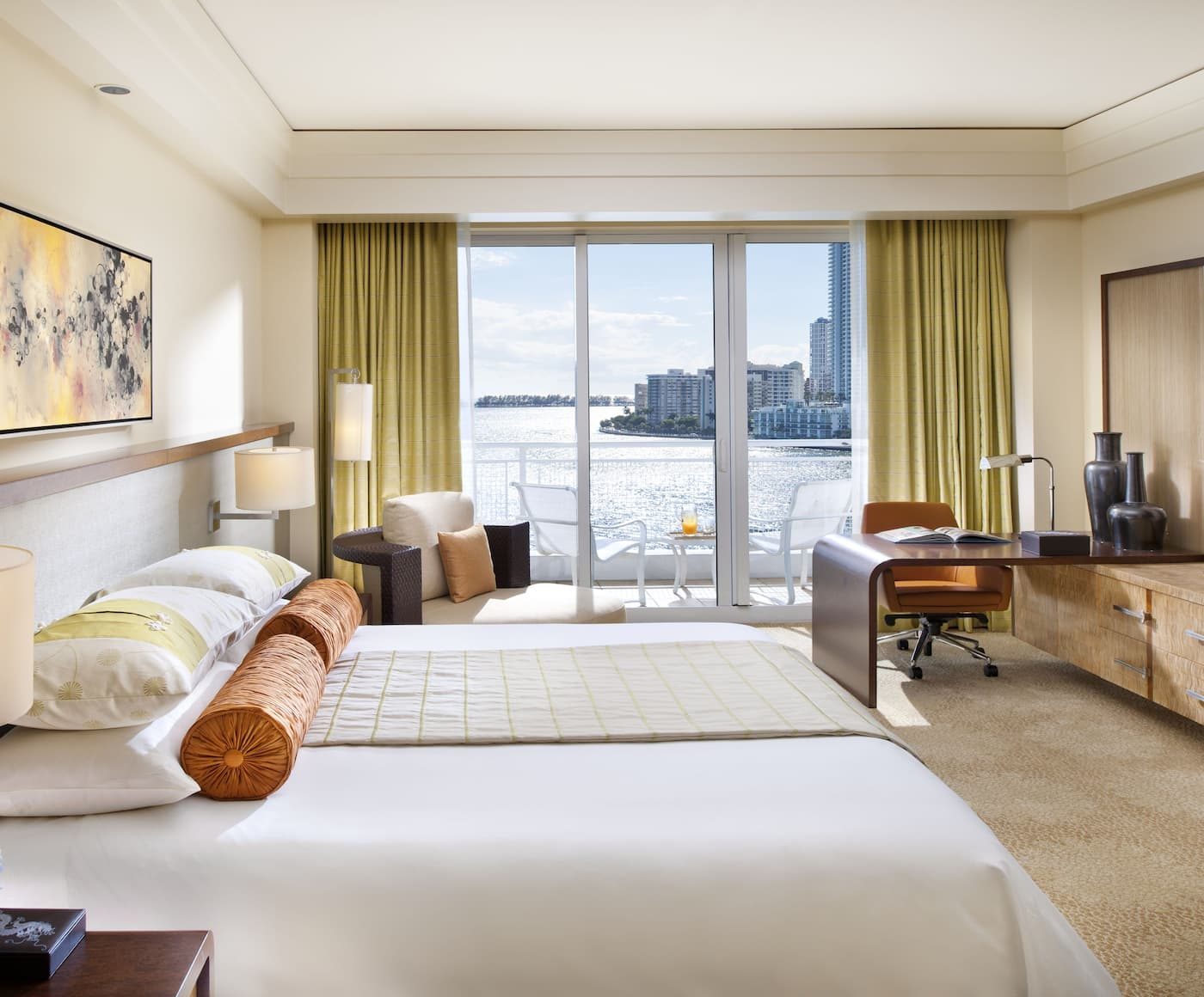 Deluxe Skyline View Connecting Rooms