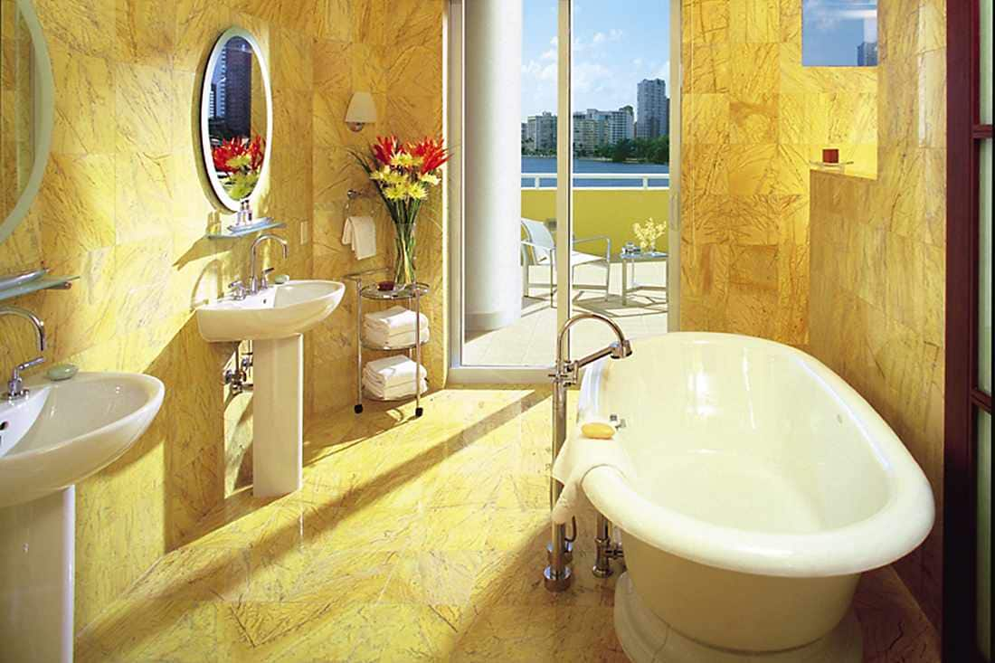 Bathroom with views of the Bay