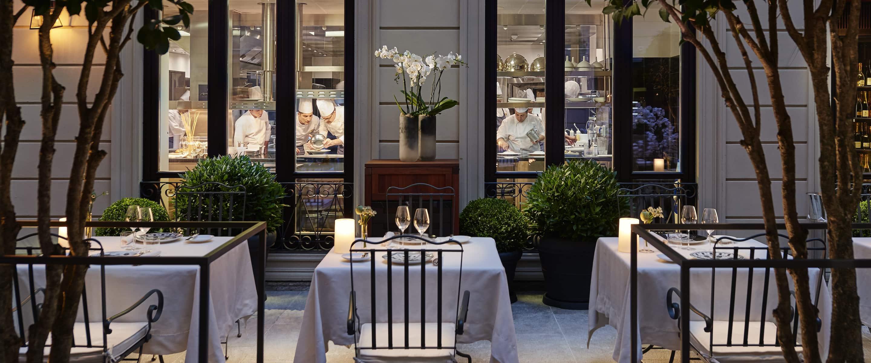 Best restaurants bars lounges mandarin oriental milan for Hotel the best milano