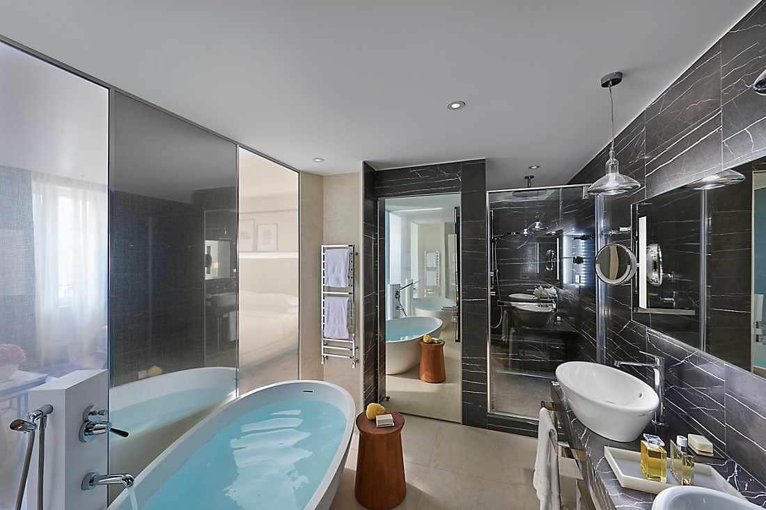 Prestige Suite - One Bedroom bathroom