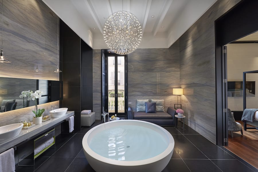 Presidential suite milan for 5 star hotel bathroom designs