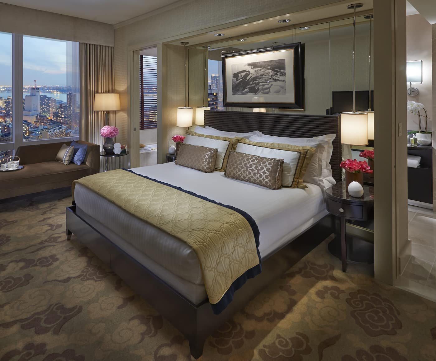 Hudson River View Room bed