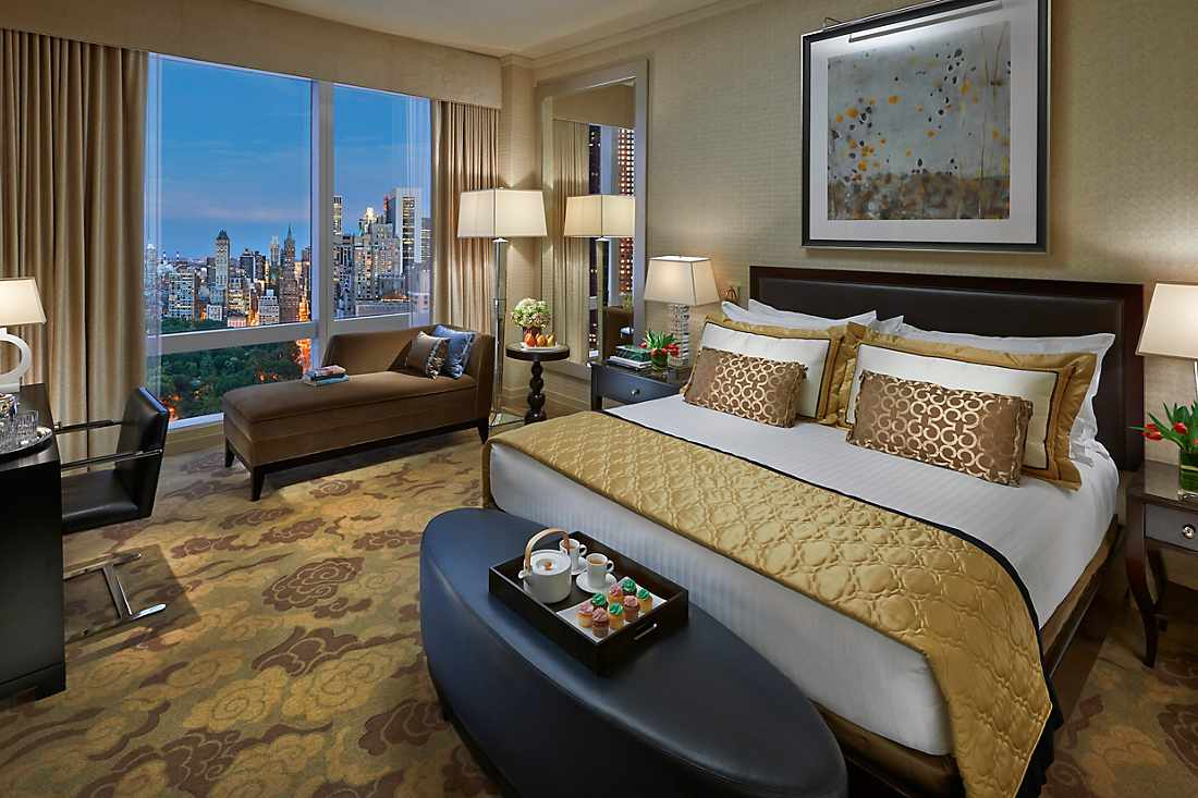 Premier Central Park View Room bed