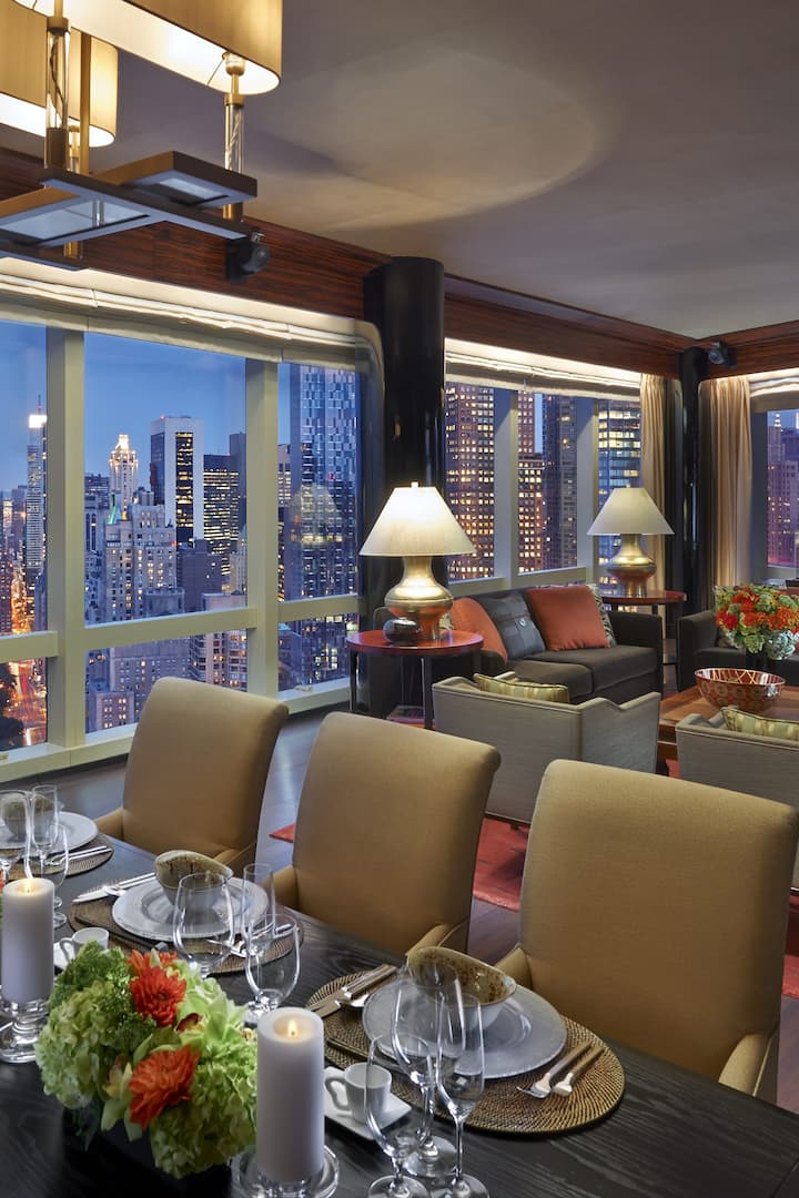 presidential suite living room with views