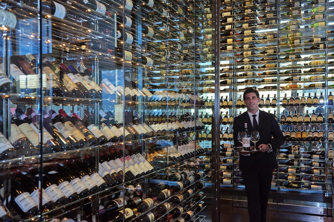 wine wall of Asiate