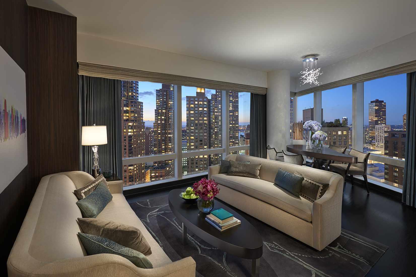 Hudson River View Suite Luxury Suite Mandarin Oriental New York