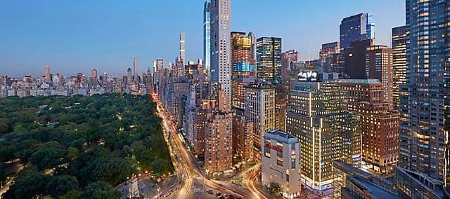 [Hình: new-york-2017-columbus-circle-01?%24MO_mas...ty-mobile%24]