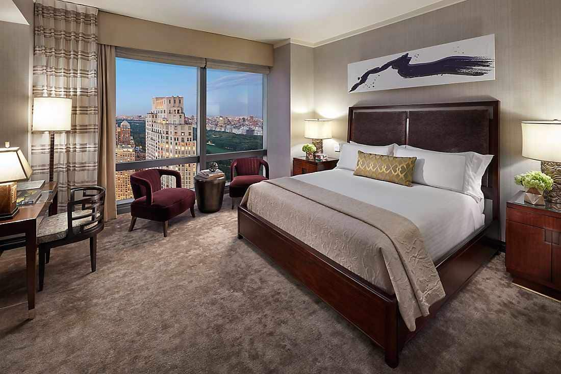 New York Skyline Suite bedroom 2