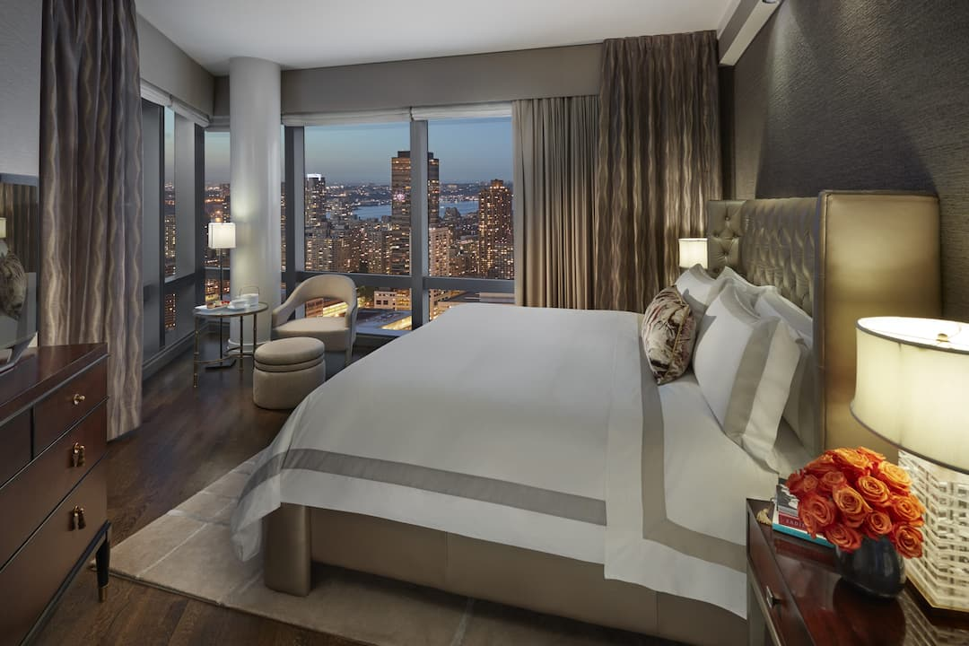 skyline suite master bedroom