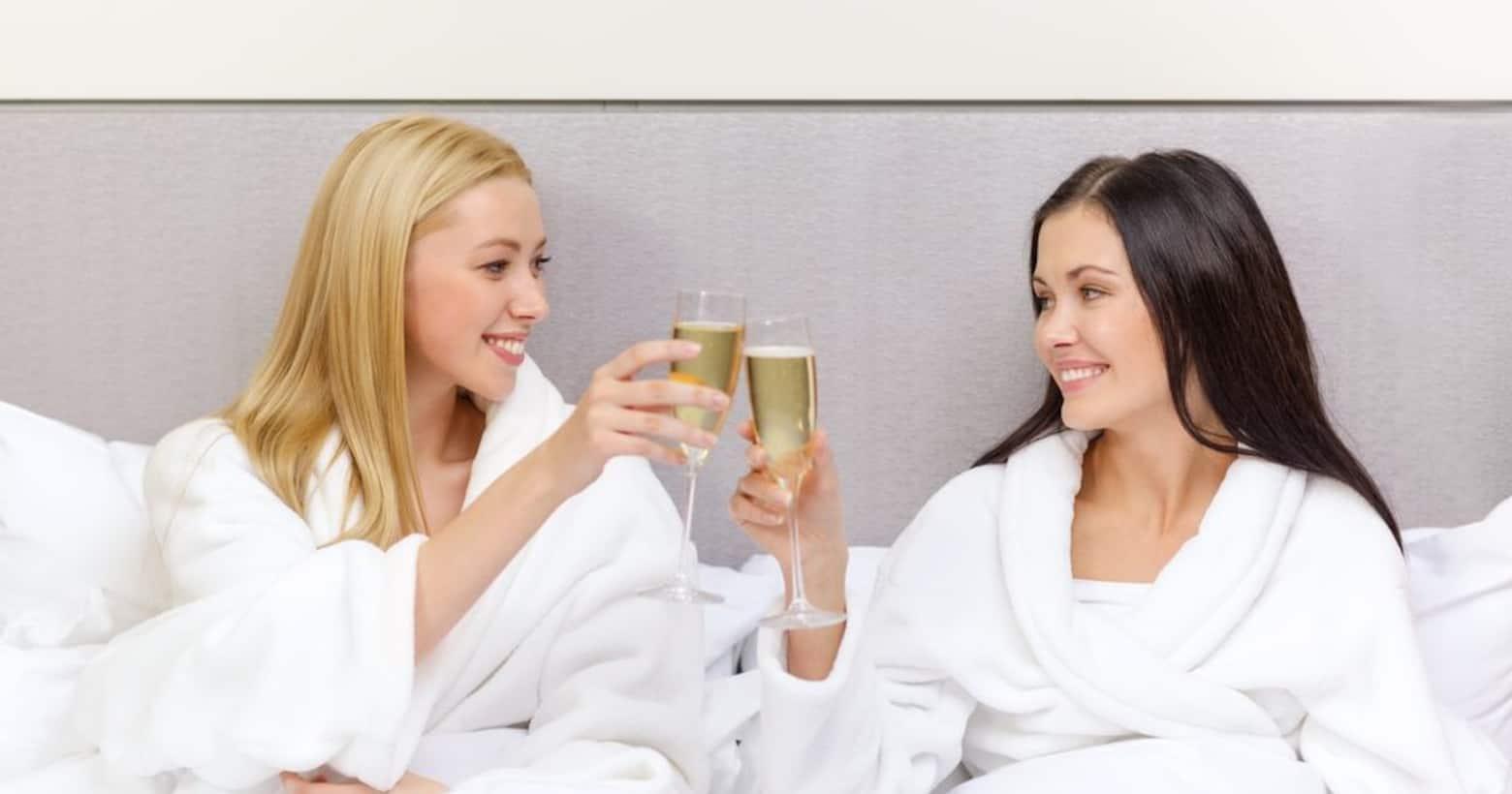 girls toasting champagne