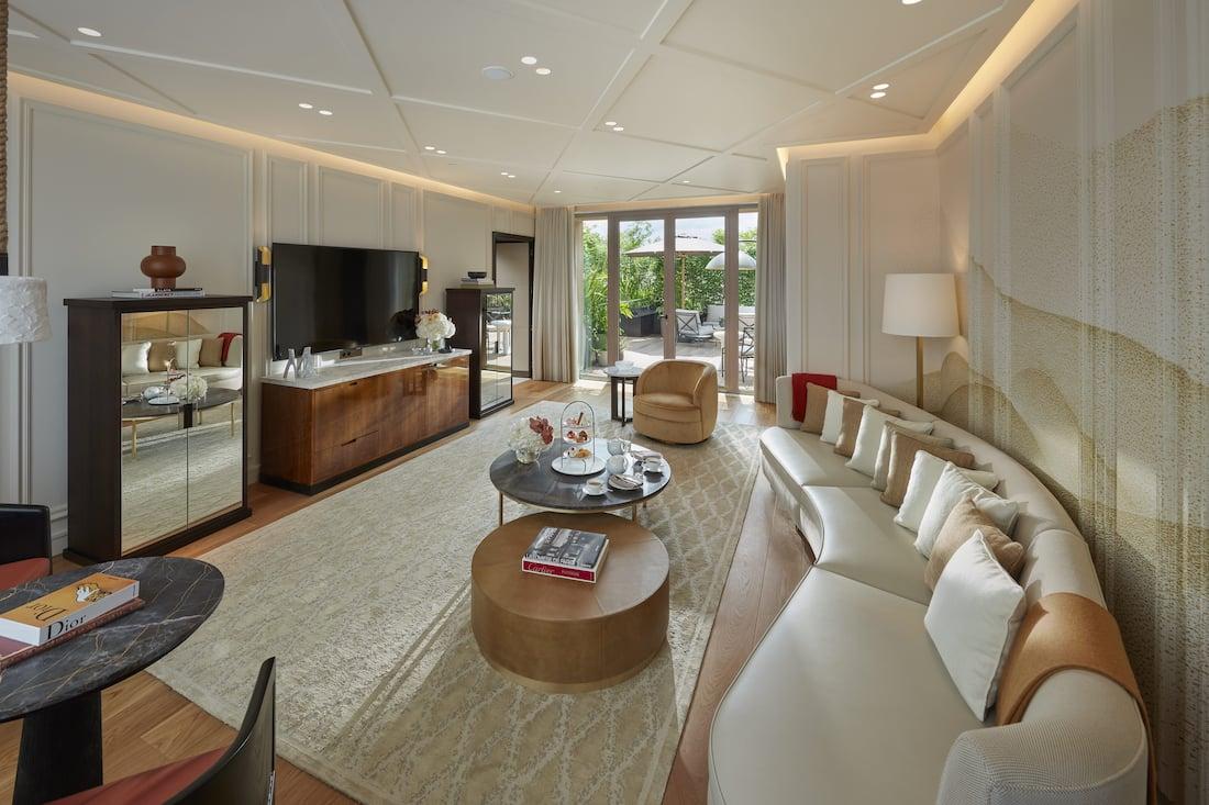 Reserve the Parisian Apartment