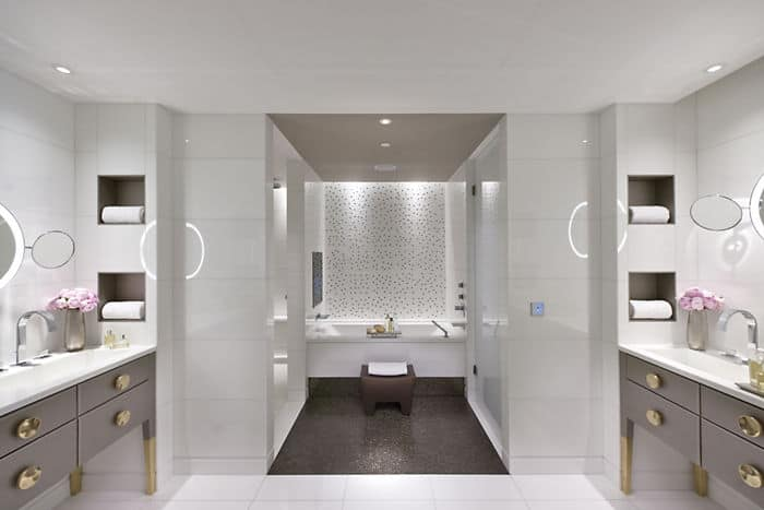 Mandarin Terrace Room Bathroom