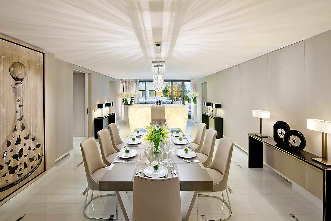 Mandarin Penthouse Suite dining room
