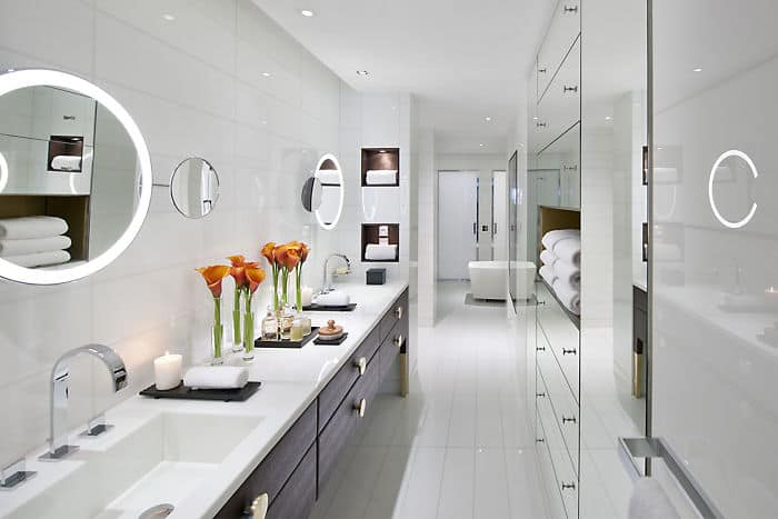 Royale Orientale Suite Bathroom