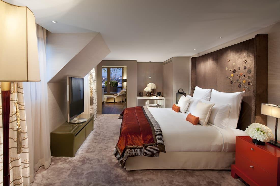 oriental penthouse suite bedroom