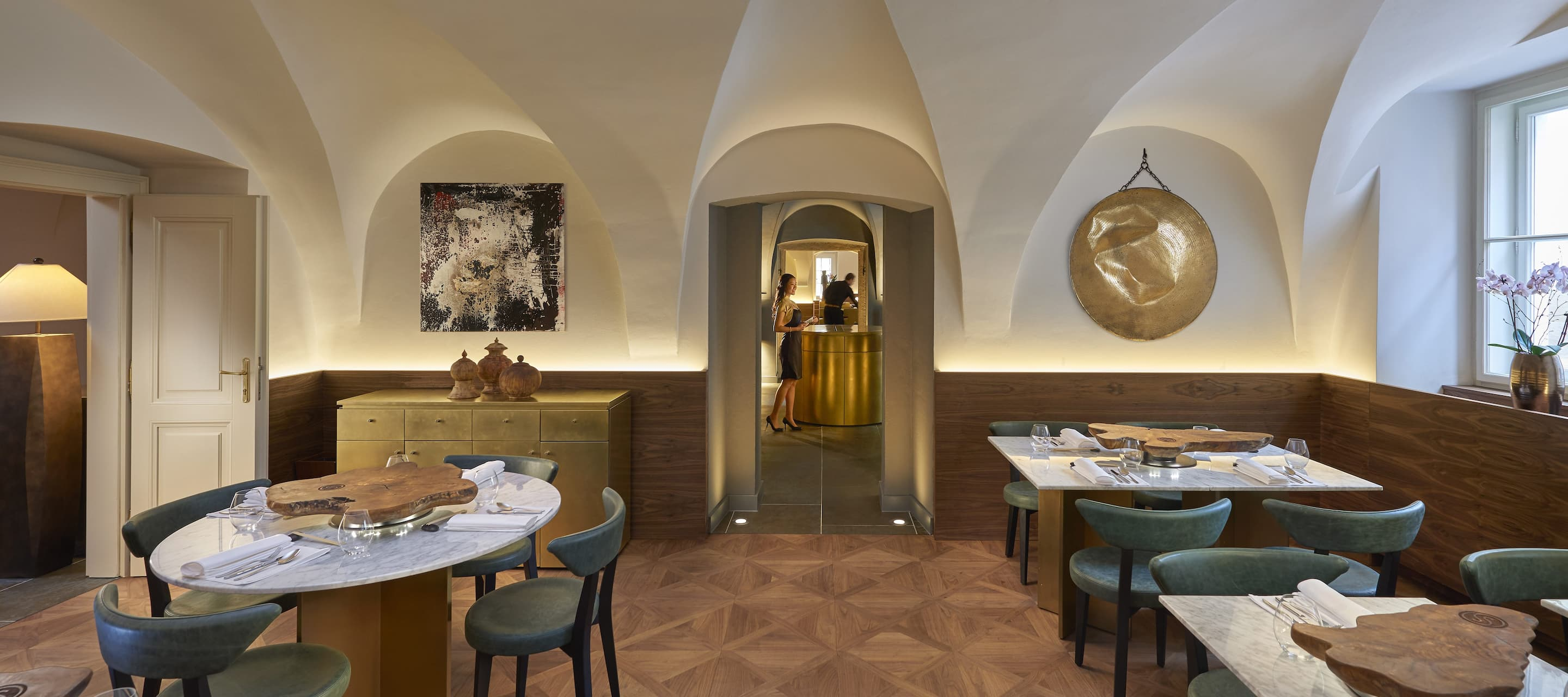 Spices Restaurant And Bar Asian Cuisine In Mala Strana