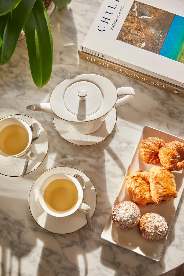 tea with pastries