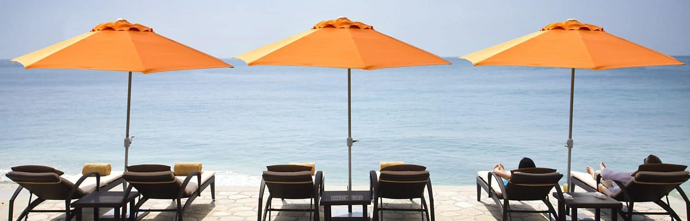 Relax on the beach of the Mandarin Oriental, Sanya and enjoy our private bay and world renowned service.