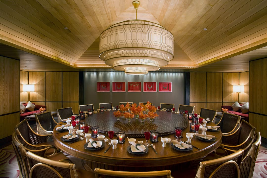private dining room at yi yang at mandarin oriental, sanya