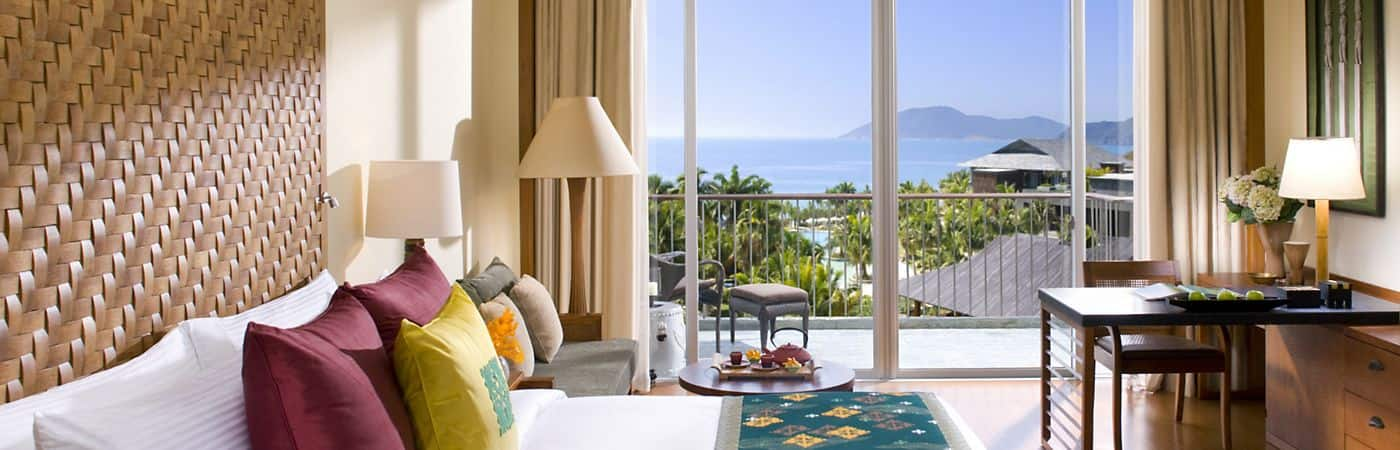 The rooms and suites at the Mandarin Oriental, Sanya provide amazing views of the ocean and are elegantly designed for your comfort and relaxation.