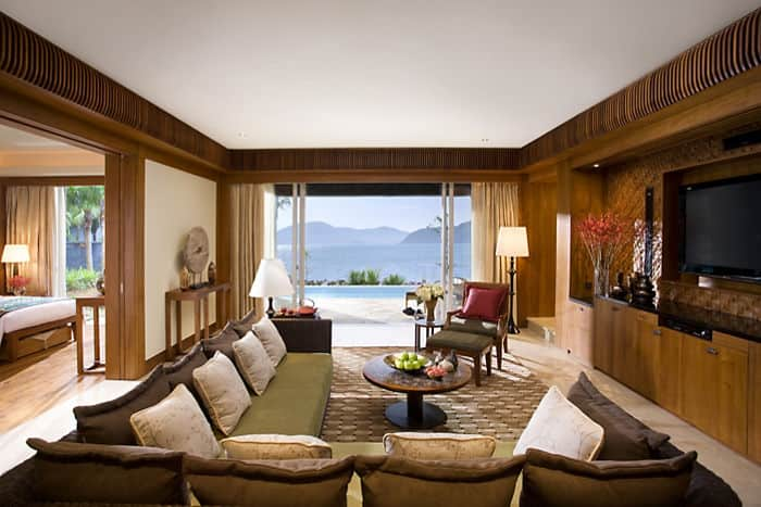 south china sea pool villa mandarin oriental hotel sanya. Black Bedroom Furniture Sets. Home Design Ideas
