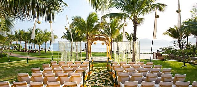 outdoor wedding venue at mandarin oriental, sanya