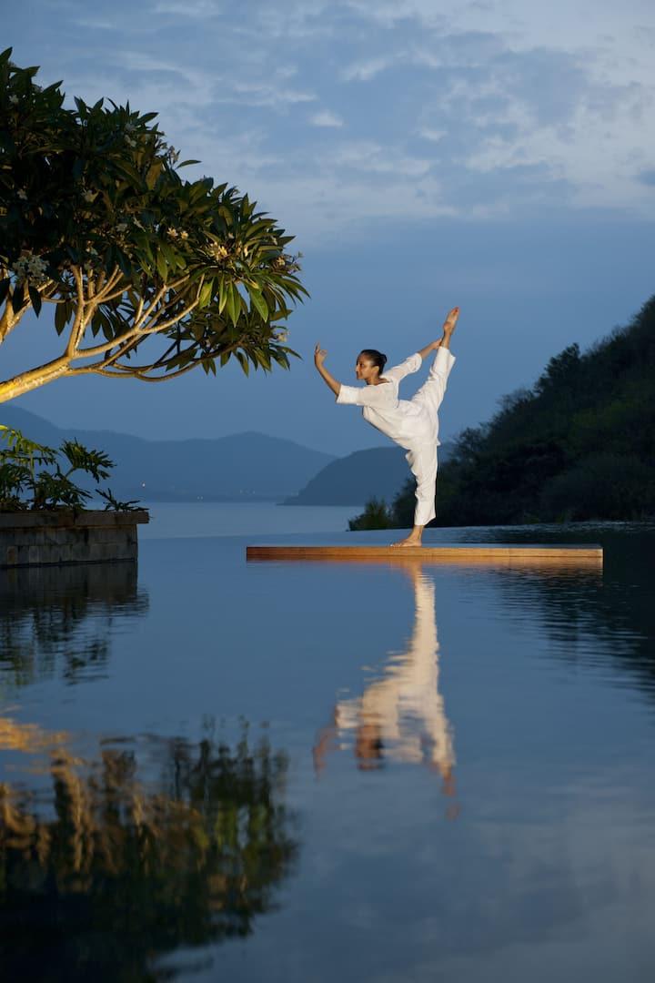 Yoga master, Mandarin Oriental, Sanya