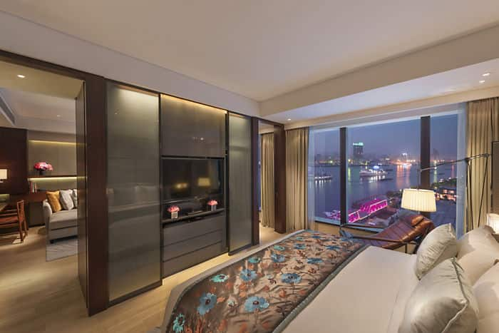 one bedroom apartment luxury apartments by mandarin oriental shanghai. Black Bedroom Furniture Sets. Home Design Ideas